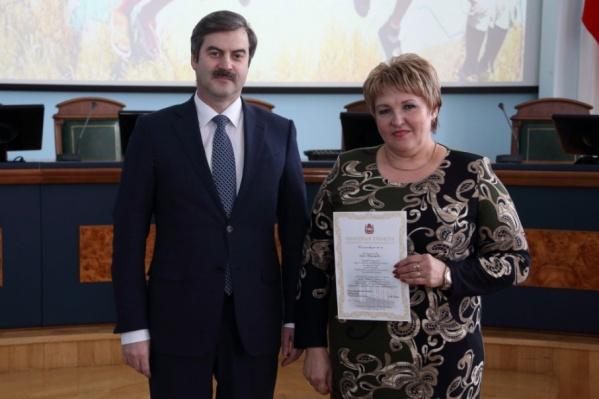 Сотрудников службы наградили грамотами и благодарностями губернатора области