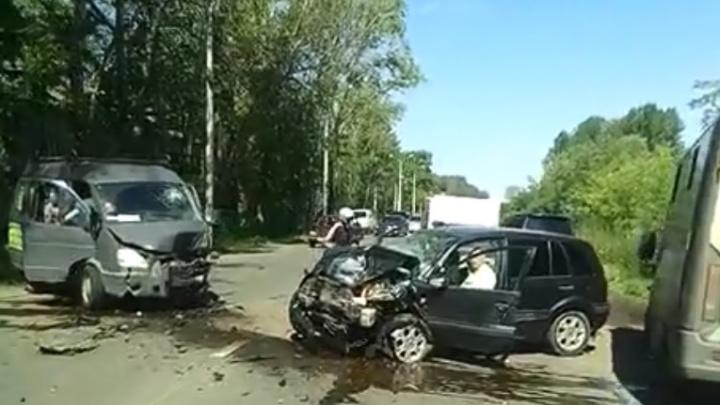 Страшное ДТП на Тормозном шоссе: пострадали четыре человека
