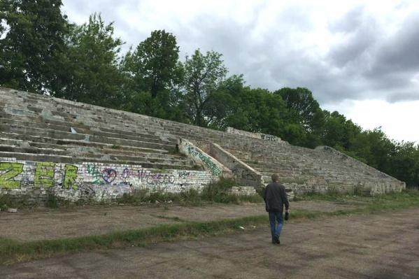 За реконструкцию старого стадиона выступает большинство жителей района