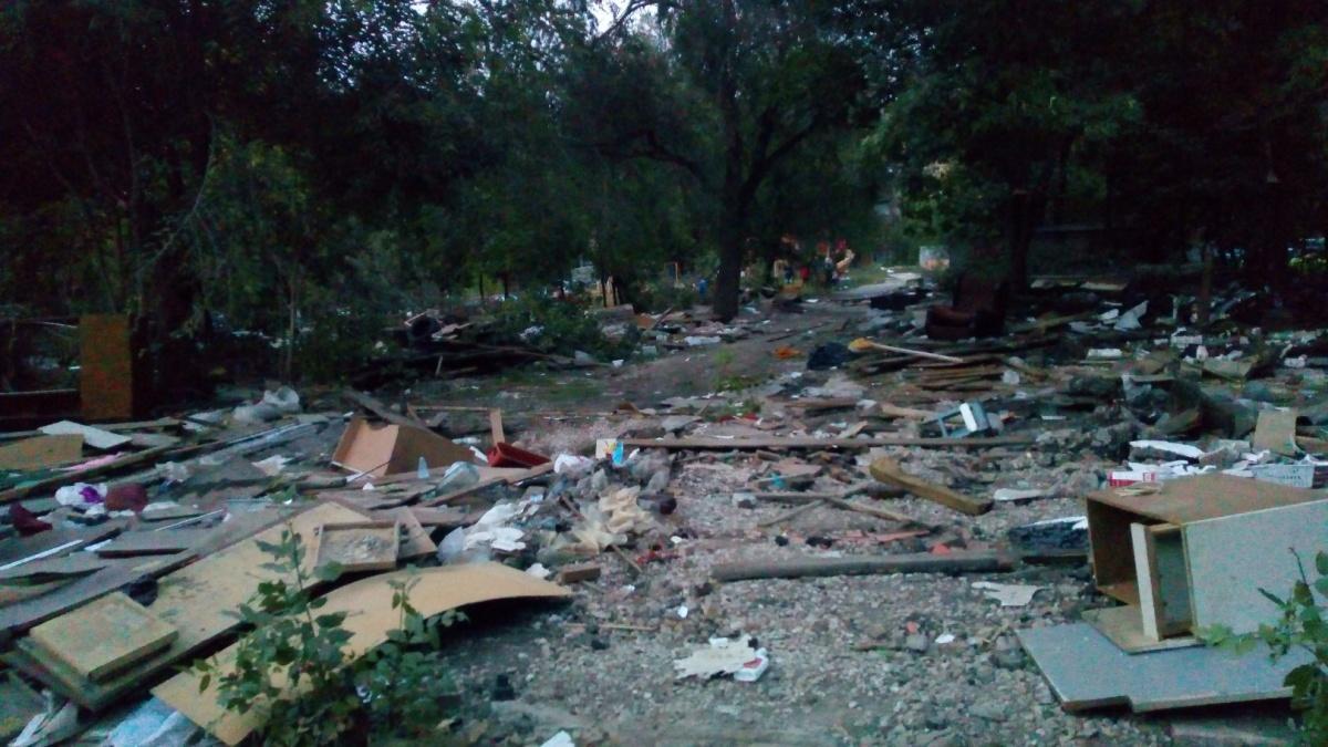 «На улице Воронежской убрали гаражи — и вот что осталось после», — пожаловались жители