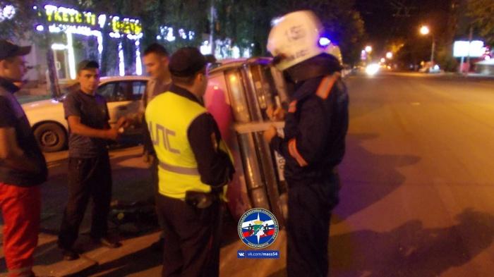 Авария случилась поздно вечером в Ленинском районе