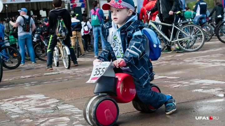 За детство нужно платить: традиционный велозаезд в Уфе стал платным