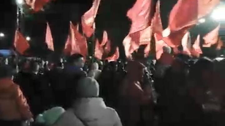 «Им на это наплевать». В Балахне прошел ночной митинг против строительства низконапорной плотины