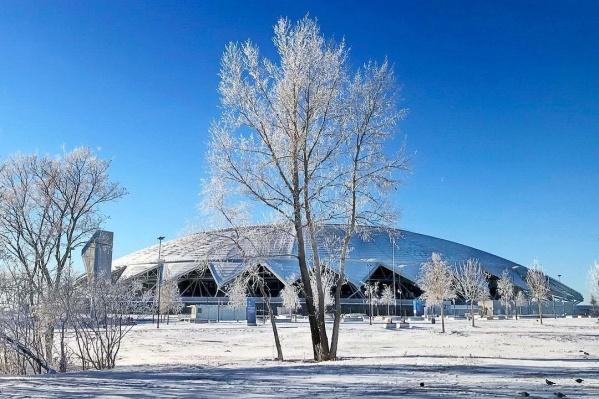 За зиму около «Самара Арены» скопилось много снега
