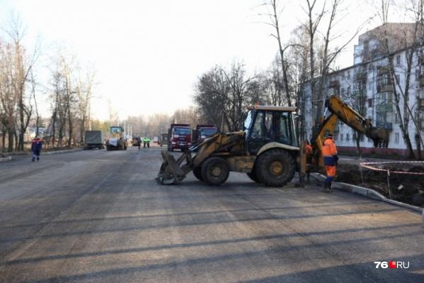 Работы по капитальному ремонту на Тутаевском шоссе в Ярославле начались в августе 2019 года