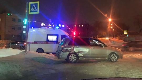 «Сузуки» развернуло на Немировича-Данченко после аварии с «Ниссаном»: на место приехала скорая