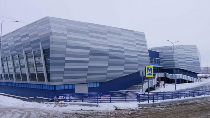 Строить дорогу к хоккейной академии «Авангарда» вызвался лишь один подрядчик. Его заявку отклонили