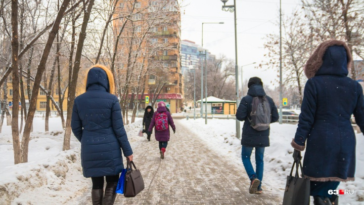 «Хожу пешком»: как самарцы отреагировали на повышение цен на проезд