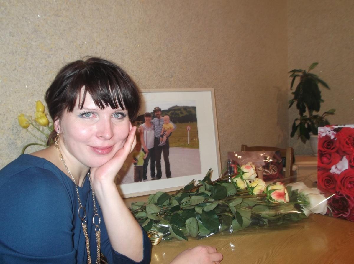 Откровенные фото женщин для знакомства омск фото 367-273