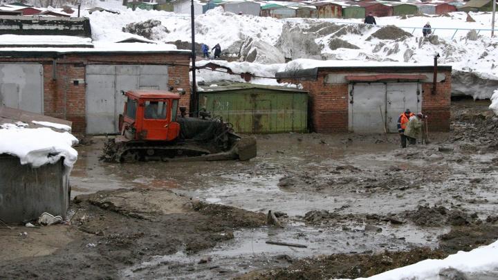 Грунтовыми водами затопило дорогу в «Покровке»