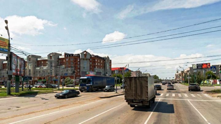 Омским водителям запретили поворот налево с улицы Масленникова на Жукова