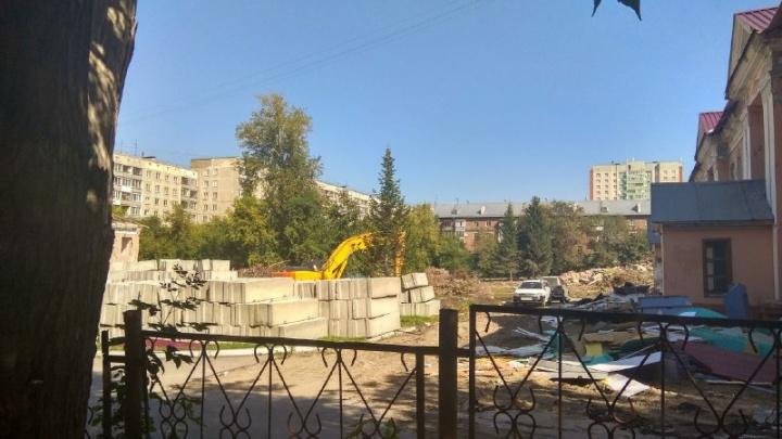 На месте двух снесённых детсадов в Дзержинском районе построят ясли