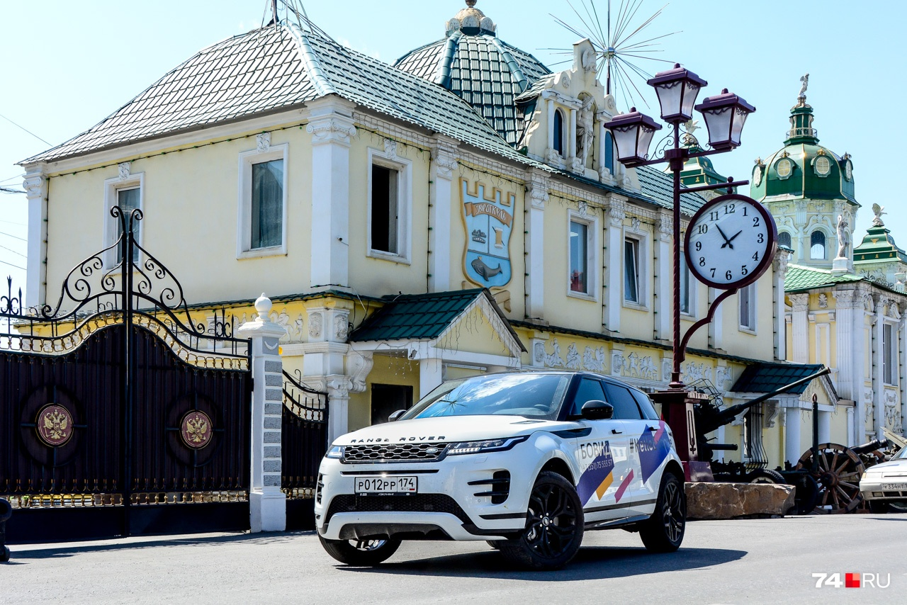 Новый Evoque получил двигатели семейства Ingenium, знакомые также по моделям Jaguar