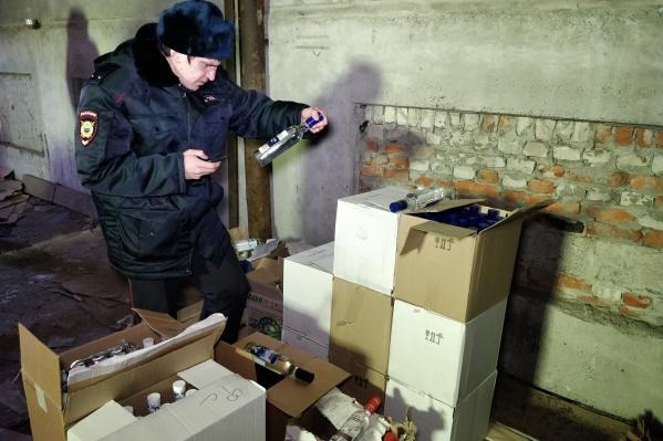 Награда за информацию о нелегальном спиртном для зауральцев может составить от одной до 20 тысяч рублей