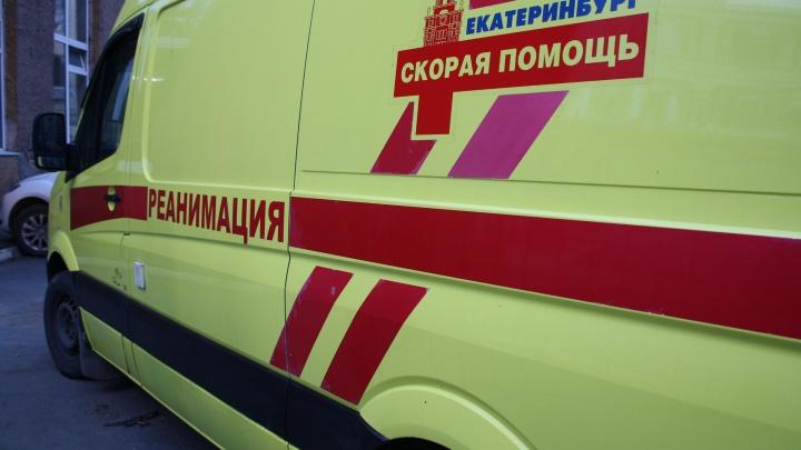 Подростков, отравившихся в лагере для одаренных детей под Екатеринбургом, увезли в больницу