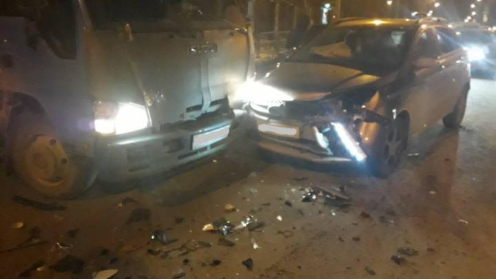 Неосторожный разворот спровоцировал тройное ДТП в Челябинске