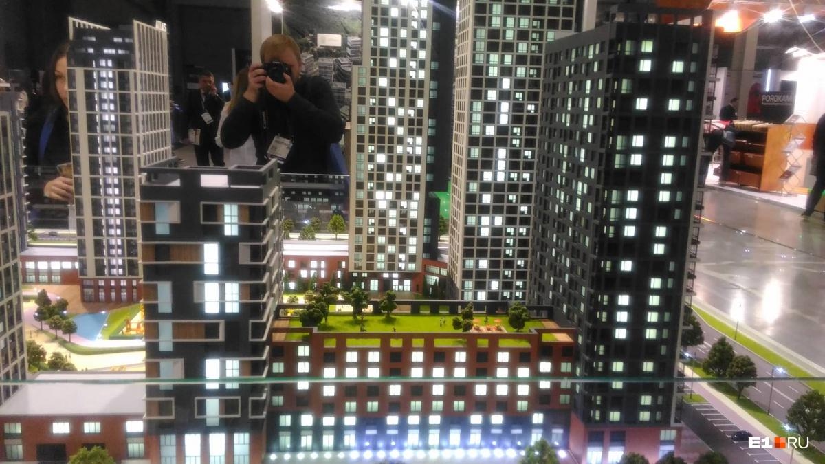 С улицы Московской могут убрать светофоры: изучаем жилой квартал с рекой во дворе на Автовокзале