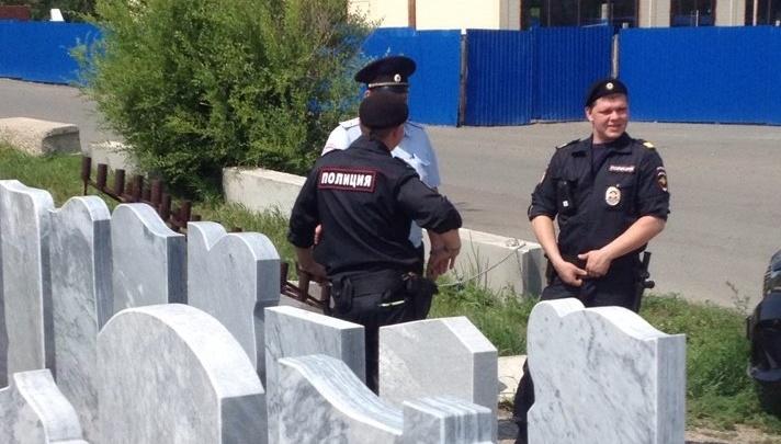 «Переселяют в чисто поле»: власти начали снос ритуальных павильонов на Бадалыке