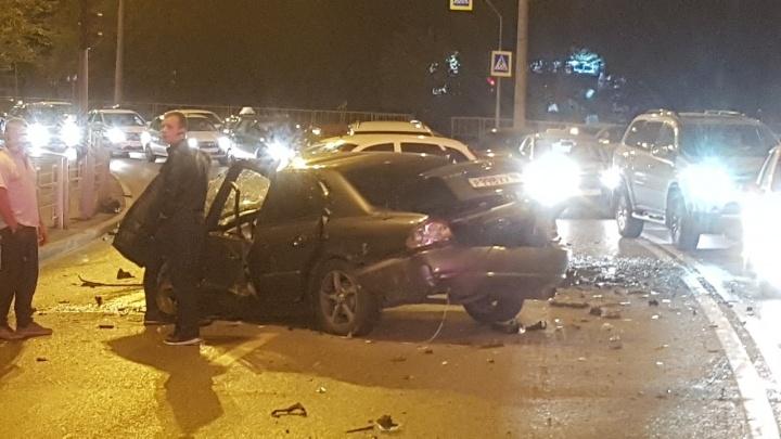 Одного зажало в машине, другие лежали на дороге: в ДТП на Стреле пострадали четыре человека