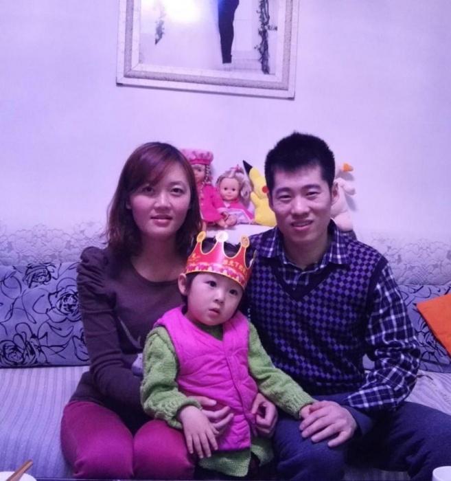 В Китае у Чжоу осталась семья