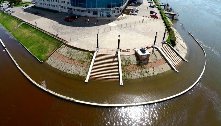Власти решили отдать в частные руки развалившуюся набережную в центре Омска