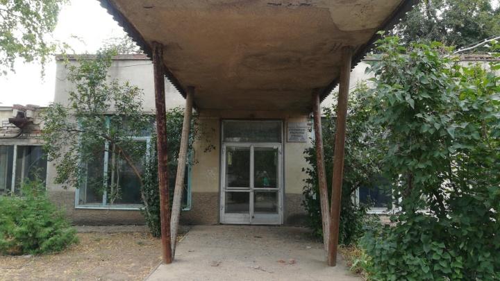 «Прорвало трубу»: под Волгоградом экстренно эвакуировали пациентов больницы