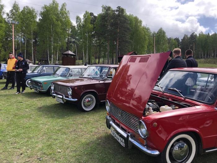 На фестивале приехали десятки водителей