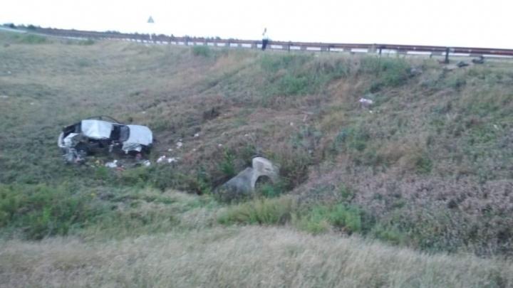 Пробил ограждение и перевернулся: в Волгоградской области в ДТП погибла семилетняя девочка из Рязани