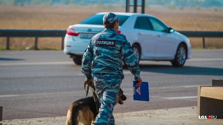 На Дону мужчина во время проверки документов с ножом набросился на полицейского
