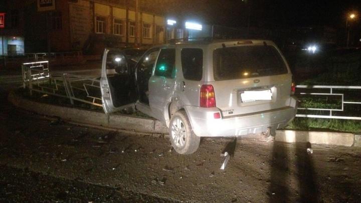 «Логан» не уступил «Маверику»: в ДТП на Вологодской двое пострадавших
