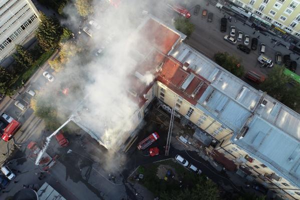 С помощью квадрокоптера пожарные осматривали здание