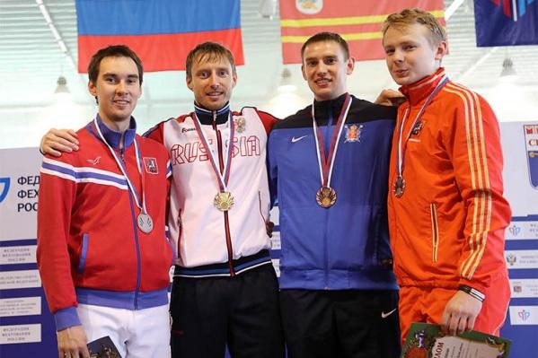 Норвосибирец Вениамин Решетников (второй слева) стал победителем чемпионата России