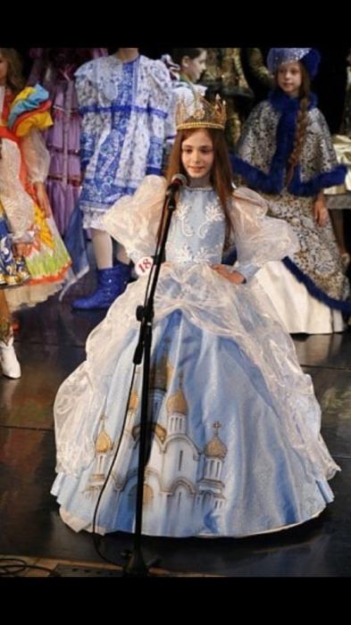 После победы в национальном конкурсе сюжеты о девочке выходили в эфирах екатеринбургских телеканалов