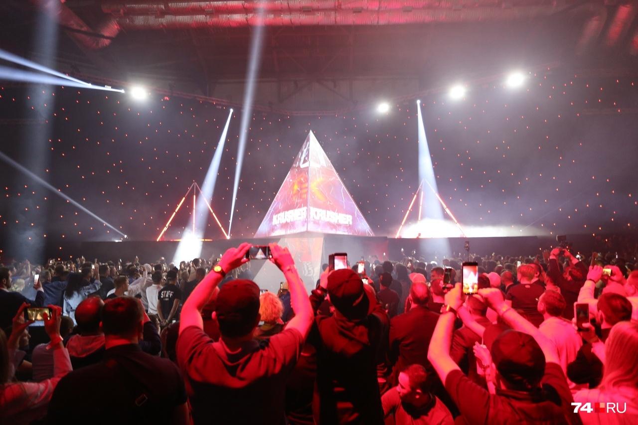 Комментаторы Первого канала во время трансляции отмечали, что продакшен этого боя в Челябинске и организация в арене «Трактор» на высочайшем уровне