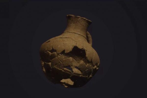 Осколки кувшина извлекли из кургана, оцифровали, и скоро его 3D-модель появится в археологическом туре