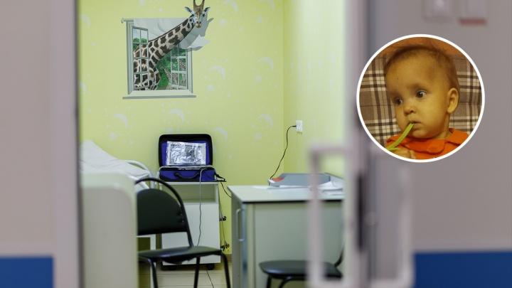 «Врачи собирали ее буквально по частям»: годовалая пациентка Михаила Каабака была готова к операции