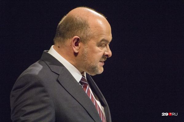 Игорь Орлов, в свою очередь, обещает сохранить при себе свой пост до 2020 года