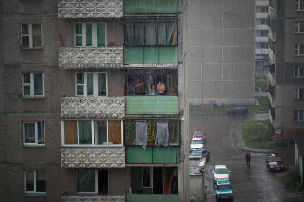 Теперь на балконе нельзя разжигать мангал и прикуривать сигарету