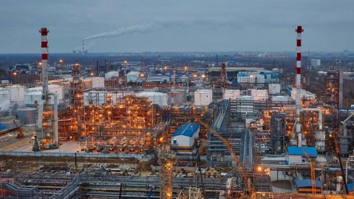 Когда появится нефть, уволят ли людей: директор Антипинского НПЗ рассказал рабочим о судьбе завода