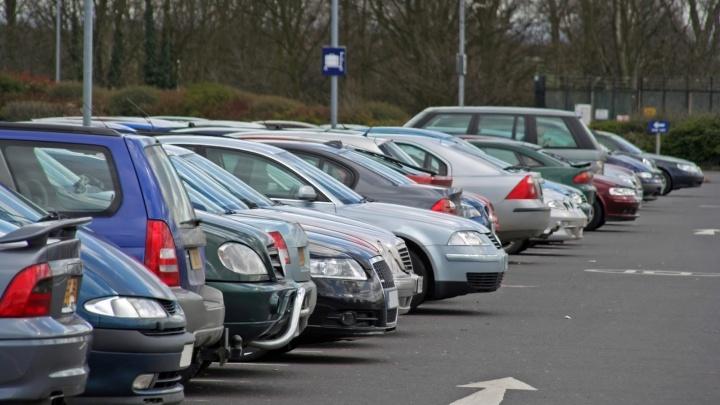 Где припарковаться: на Широкой Речке решена главная автомобильная проблема