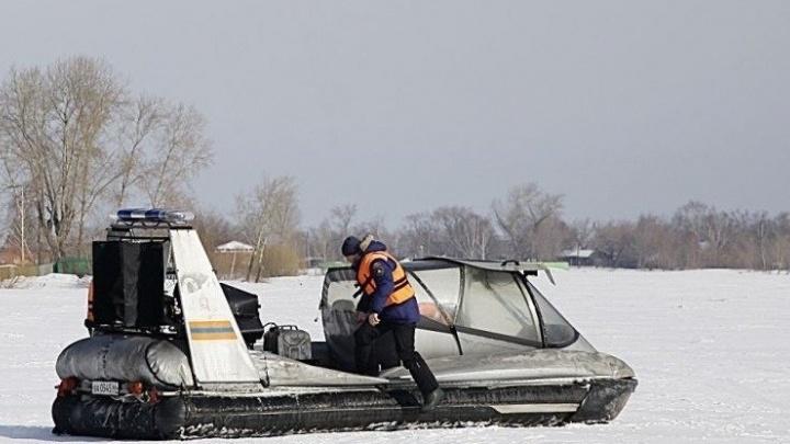 На Белоярском водохранилище эвакуировали 16 рыбаков с опасной льдины