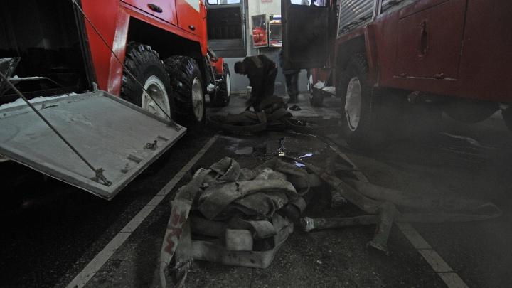 В пожаре под Новосибирском погибли три ребёнка — их мама была на работе