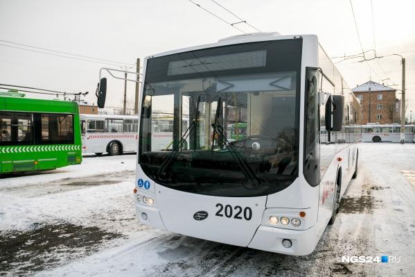 Троллейбус вологодского завода может проехать там, где нет контактной сети