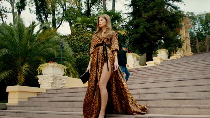 Красотка из Челябинска снялась в клипе Михаила Галустяна«Хочу тибя любицца»