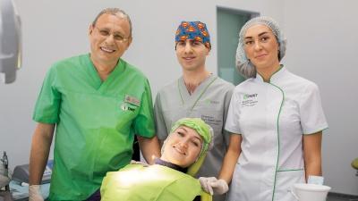Космические технологии по земным ценам: красноярцам предложили высокотехнологичную имплантацию зубов