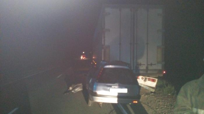 Ночью 16 июня Toyota Sprinter Carib столкнулась с грузовикомScania