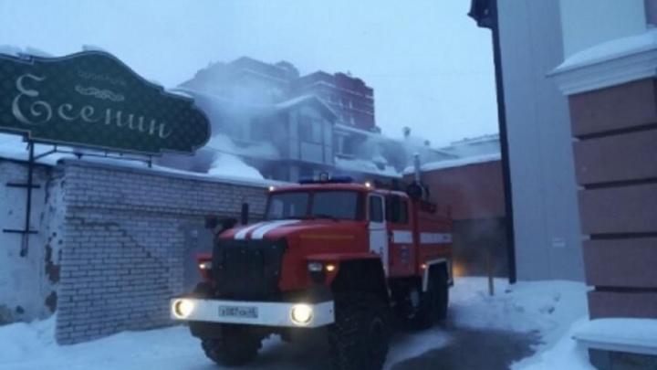 Предварительная причина пожара в гостинице «Есенин» в Кургане — аварийный режим работы электросети