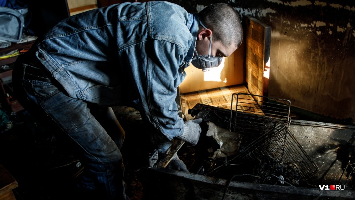 «Обгорели до неузнаваемости»: в Тракторозаводском районе заживо сгорели три человека и собака