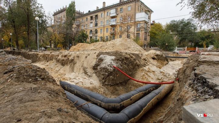 Пока суд да дело: парк 70-летия Победы в Волгограде встретит Новый год в перекопанном виде