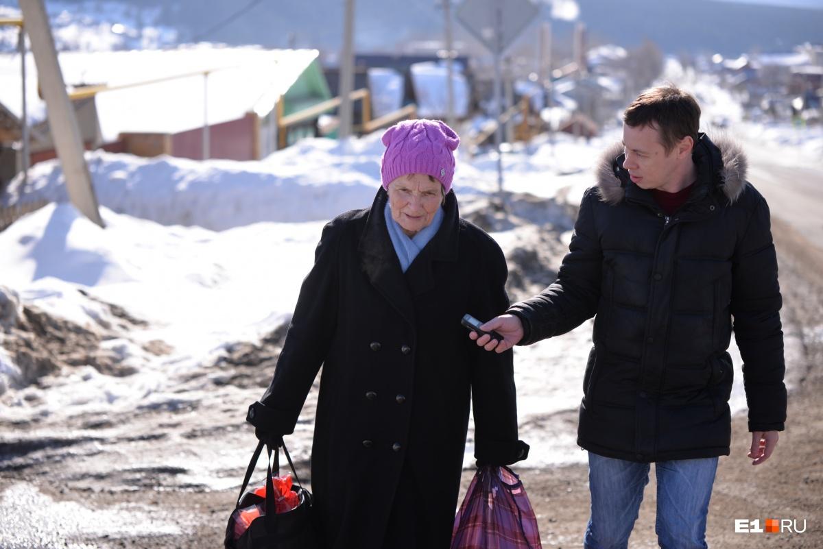 Анна Григорьевна говорит, что по дороге, где на каждом шагу знак, на самом деле ездит немного машин